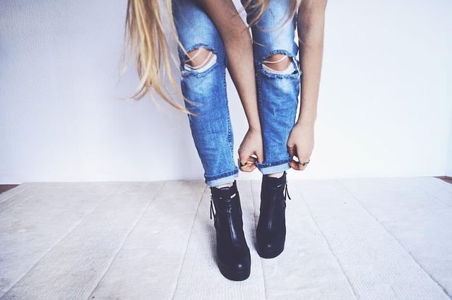 Fasony spodni damskich – jak dobrać spodnie do sylwetki?
