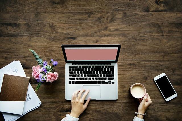 Masz bloga, publikujesz w sieci prywatne materiały? Chroń swoją własność intelektualną!