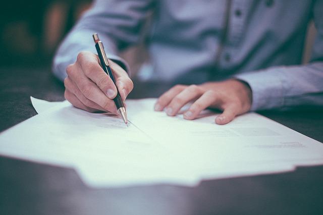 Polisolokaty – o czym trzeba wiedzieć przed podpisaniem umowy?