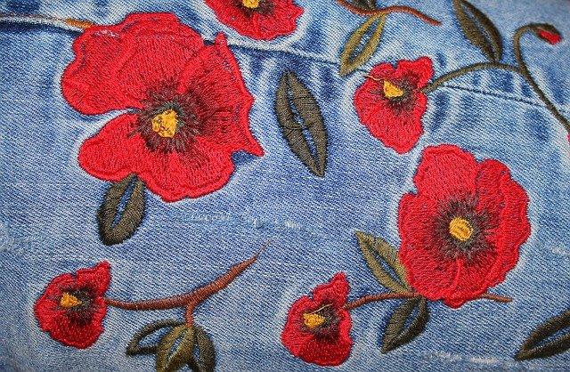 haftowane kwiaty